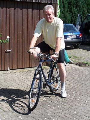 Karl-Heinz auf seinem Rad